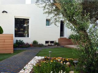 Jardines de estilo moderno de ACA.Alfonso Cort Arquitecto Moderno
