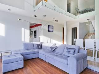 Casa NB: Salas de estilo minimalista por Excelencia en Diseño