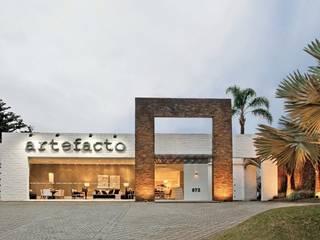 Modern balcony, veranda & terrace by Artefacto Curitiba Modern