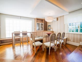 Dining room by Liana Salvadori Arquitetura e Interiores