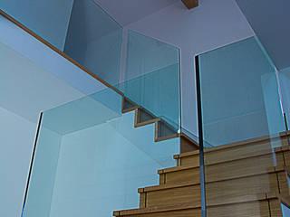 stairs 05 Minimalistischer Flur, Diele & Treppenhaus von Alrewas Architecture Ltd Minimalistisch
