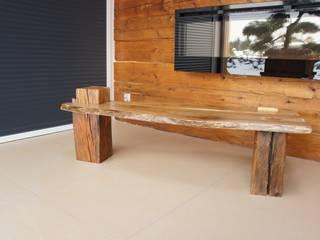 Stolik kawowy z orzecha: styl , w kategorii  zaprojektowany przez Old Wood Design,