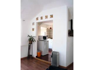 de T2 Arquitectura & Interiores Minimalista