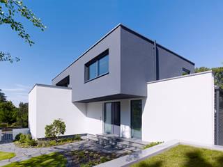 미니멀리스트 주택 by Gritzmann Architekten 미니멀