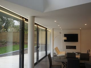 Nairn Road, Canford Cliffs Modern dining room by David James Architects & Partners Ltd Modern