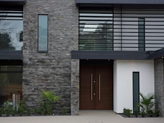 Nairn Road, Canford Cliffs Modern houses by David James Architects & Partners Ltd Modern