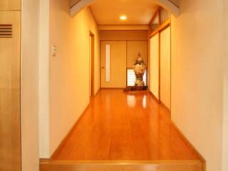裏庭のある家 モダンスタイルの 玄関&廊下&階段 の 吉田設計+アトリエアジュール モダン