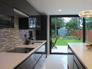 New Malden, Surrey Consultant Line Architects Ltd Modern kitchen