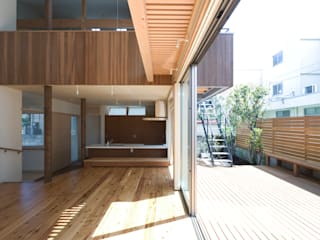 松本剛建築研究室 Eclectic style balcony, porch & terrace