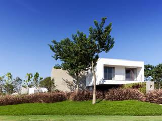 Consuelo Jorge Arquitetos Rumah Minimalis