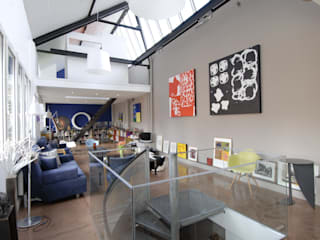 Modern Living Room by ZOEVOX - Fabrice Ausset Modern