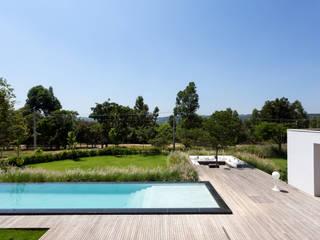 Minimalistische Pools von Consuelo Jorge Arquitetos Minimalistisch