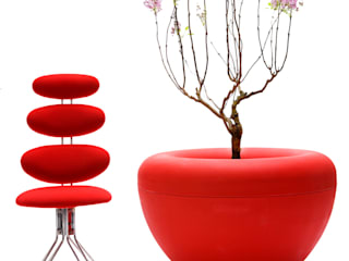 Scoop planter, red:   by IOTA Garden and Home ltd