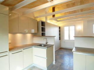 Modern Kitchen by ZOEVOX - Fabrice Ausset Modern