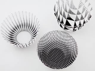 Air Vase, Japanse papieren vaas: modern  door Kleuroptafel, Modern