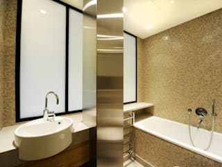Modern Bathroom by ZOEVOX - Fabrice Ausset Modern
