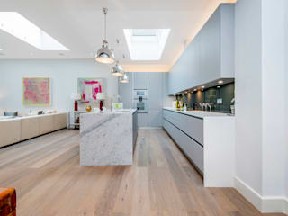 Basement Flat Refurb Modern kitchen by Balance Property Ltd Modern