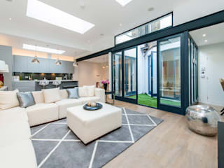 Living room by Balance Property Ltd, Modern
