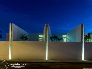 Fachada Norte Casas minimalistas de Grupo Arquidecture Minimalista
