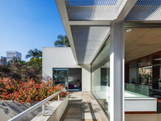 Residência MG Casas modernas por Reinach Mendonça Arquitetos Associados Moderno