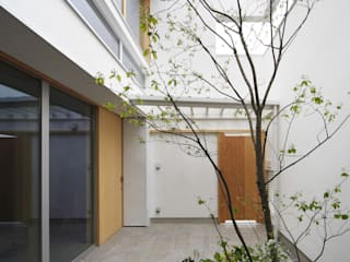 Garden by 樋口章建築アトリエ, Modern