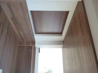 Proyecto integral con madera de Ipe. de Ático y Jardín