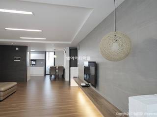 송파 신천동 잠실파크리오아파트 45평형: MID 먹줄의  거실
