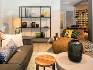 por Room Service Interior & Colour Design