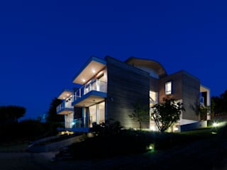 Modern houses by Mariani & Associati Architetti Modern