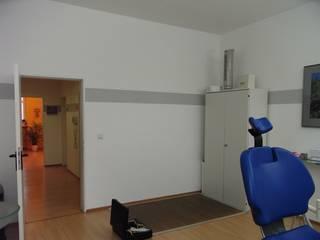 Ausgangssituation großes Behandlungszimmer mit ungenutzten Ruam:   von CS interior solutions