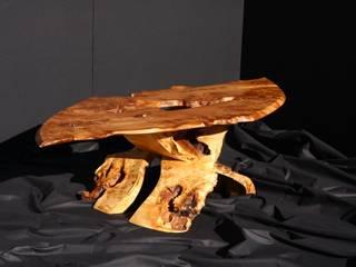Table basse par Ebenisterie Yann Rubiella Éclectique