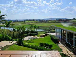 Residência Quinta da Baroneza Varandas, alpendres e terraços modernos por Maurício Queiróz Moderno