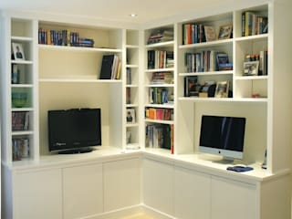 Contemporary Media center:   by Built in Solutions