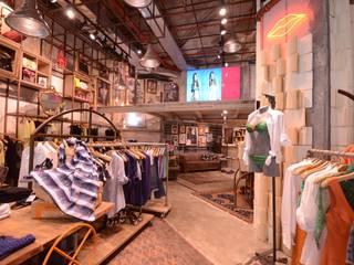 EVA Santa Irreverência Arquitetura Design e Construção Lojas & Imóveis comerciais industriais