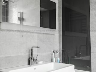 Modern bathroom by Studio Malina Modern
