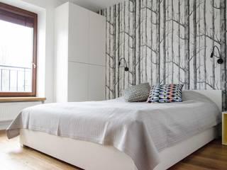mieszkanie pomiędzy miastami | between big cities Skandynawska sypialnia od Studio Malina Skandynawski