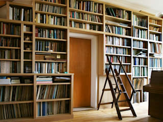 Modern Built in Bookcase in Oak:   by Built in Solutions