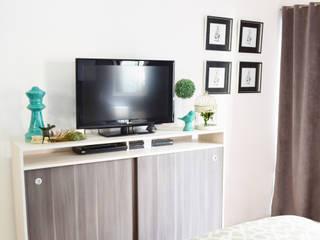 Modern style bedroom by Nicolas Pierry: Diseño y Decoración de Interiores Modern