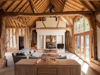 Main 17th Century Barn Space Salas de estilo rural de Beech Architects Rural