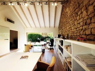 Haus M. in Greiveldange: klassische Arbeitszimmer von morph4 architecture