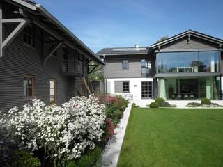 Landhaus mit Nebengebäude Landhäuser von Planungsbüro für Hochbau und Innenarchitektur Landhaus