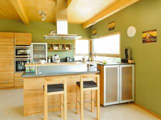 Wohnhaus W. in Nüdlingen Landhaus Küchen von Achtergarde + Welzel Architektur + Interior Design Landhaus