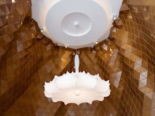 Reign Restaurant, Dubai Bar & Club moderni di Wood-Skin® Moderno