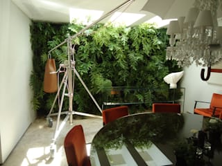 Dining room by Quadro Vivo Urban Garden Roof & Vertical,