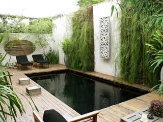 Jardines de estilo  por Quadro Vivo Urban Garden Roof & Vertical, Asiático
