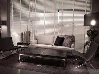 Camera da letto in stile  di SALLIER WOHNEN HAMBURG