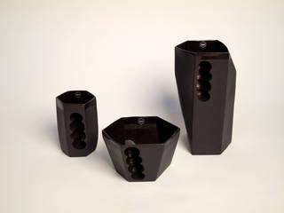 Want porcelain 2.0 zwart (schenkkan, soepkom en mok):   door Studio Roel Beurskens