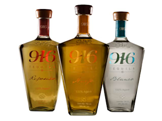 Botella Tequila 916:  de estilo  por Disémica