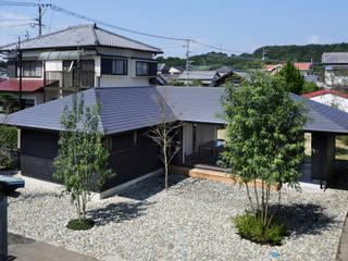 Maisons modernes par 山田伸彦建築設計事務所 Moderne