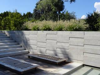 Giardino di villa privata – Franciacorta (Bs) – anno 2012 Giardino moderno di matiteverdi Moderno